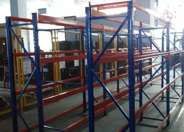 深圳仓库货架中托盘货架承重重量是多少?